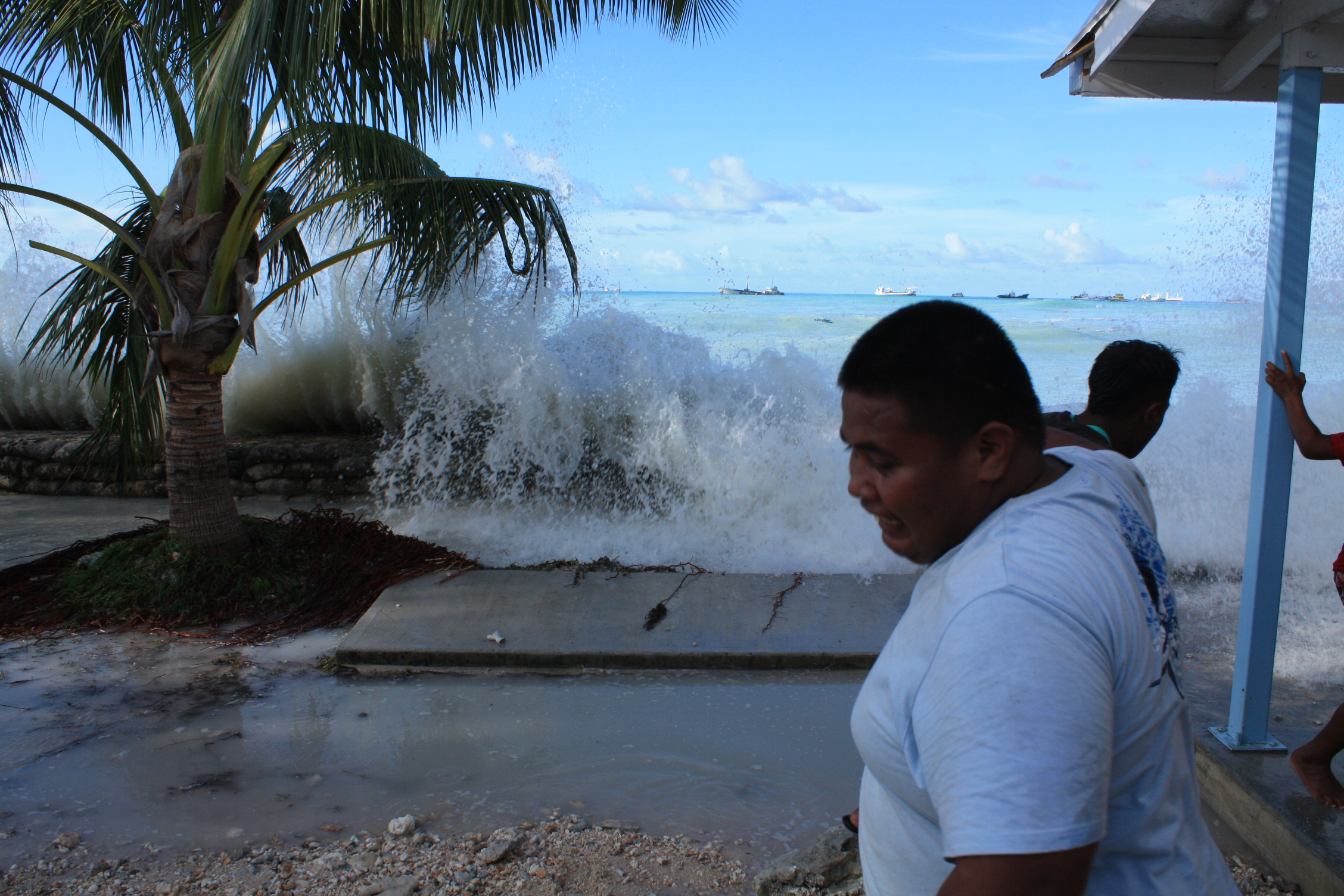 waves-in-Betio